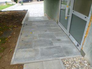 Umgestaltung eines Eingangsbereiches in Remchingen